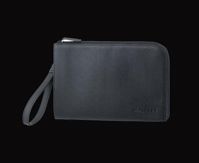 MAJESTY Clutch Bag